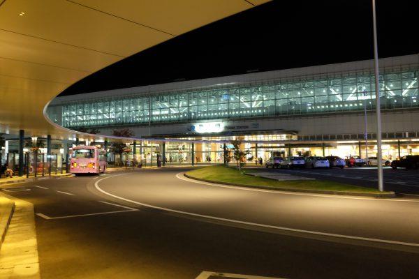 富山駅。新幹線駅ができてからかなりおしゃれになった。