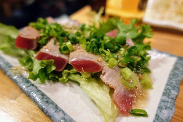 炙りマグロのネギ塩たれ(400円)