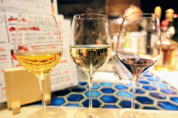 ワインは1杯150円から