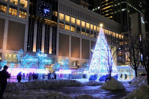 札幌駅前イルミネーション。1月になってもクリスマス。