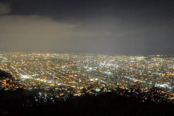 藻岩山からの夜景は想像以上の美しさ!