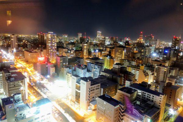 最上階28階からの夜景。札幌の町並みを一望できますよ!